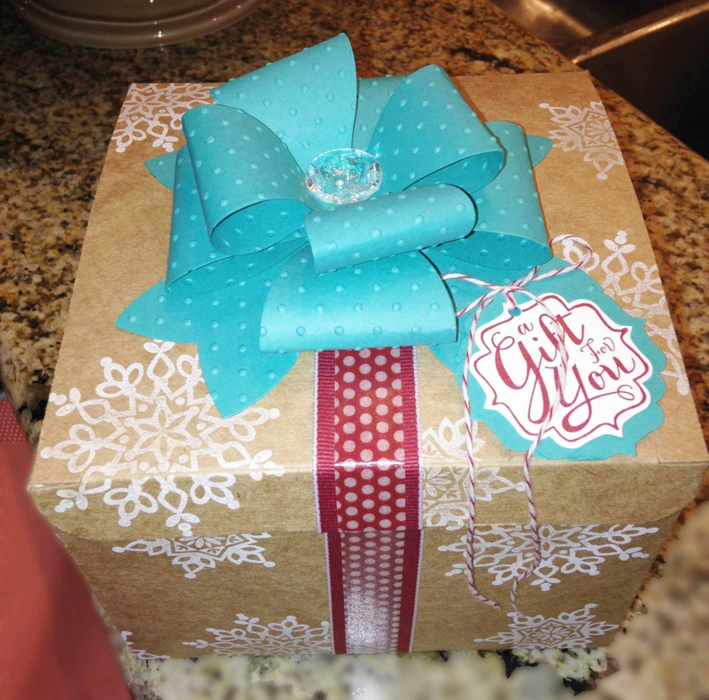 Gift Bow Die wrapped box